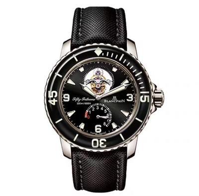 N宝珀5025-1530-52五十噚系列真陀飞轮男士腕表手表,一是改进了镜面蓝膜光效,二是提升了飞轮亮度,整个表看上去更显档次。和原装功能一模一样:自动上链陀飞轮,6点位置真动能显示