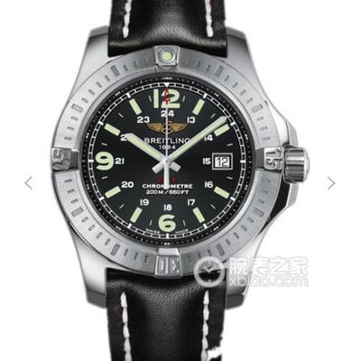 GF百年灵挑战者自动机械腕表(ColtAutomatic)——一款专为军方设计制造的腕表。缎纹磨砂表圈上饰有四枚百年灵腕表标识性的表圈指示器,男士手表,自动机械机芯,皮表带,密底