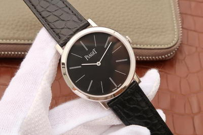 "TW伯爵ALTIPLANO。采用9015改cal:800P机芯,真机改""非甲版,独家真正做到原版一比一Altiplano系列超薄男士手表,自动机械腕表,皮表带,40mm直径,透底"