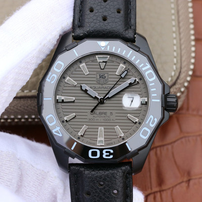V6泰格豪雅(TagHeuer)竞潜系列CALIBE5PVD精钢外壳采用原装双色夜光指示1比1的超级复刻43毫米值得推荐皮表带男士手表自动机械机芯密底