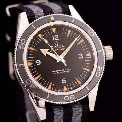 XFOMEGA欧米茄海马300系列233.90.41.21.03.001腕表不透底男表AISI316L精钢表壳搭配帆布表带搭载定制版8400全自动机芯!