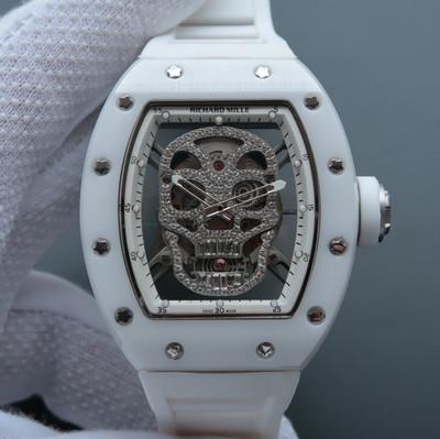 理查德.米勒RM52-01镂空骷髅头腕表.经典的酒桶造型壳身使用新材料氧化锆多晶陶瓷打造